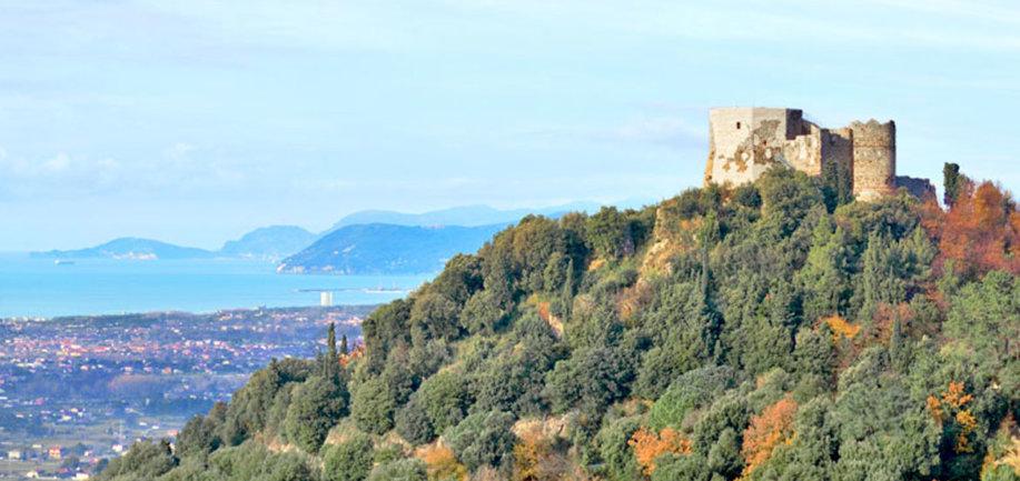 Castello Aghinolfi a Montignoso